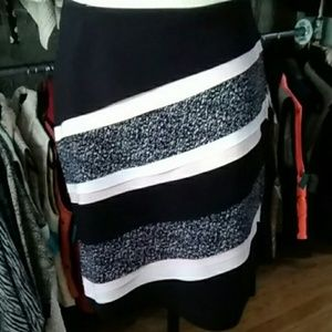Pre-owned Wht House Blk Market Pink Accent Skirt